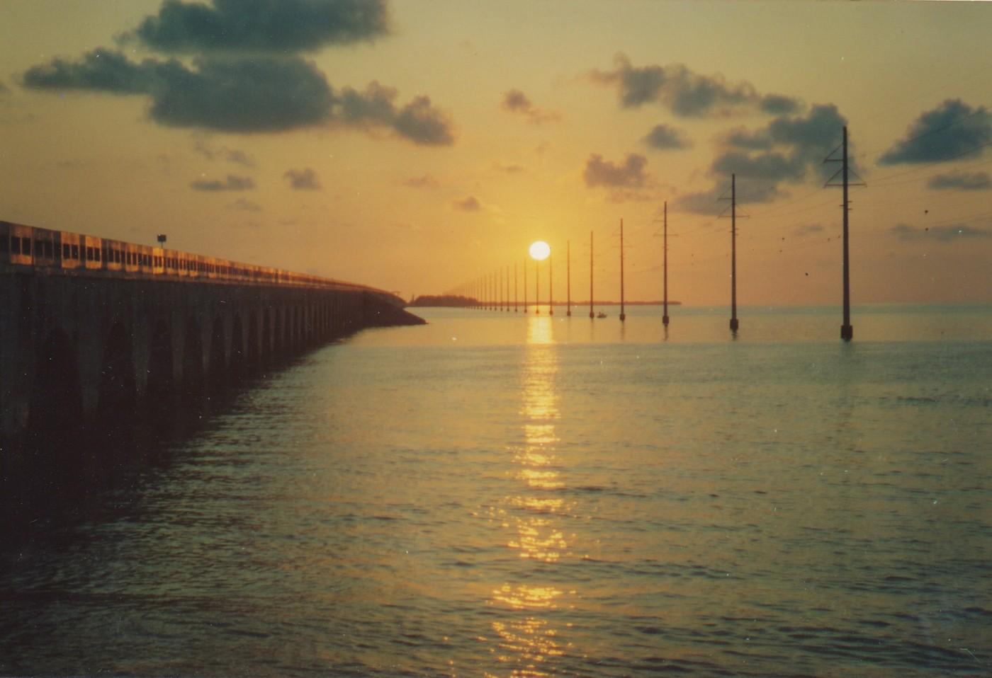 Long_Key_Bridge_at_sunrise
