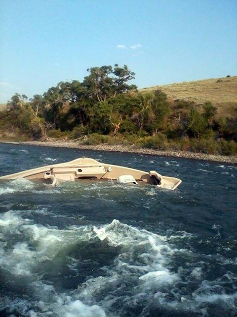 sunk_drift_boat_yell_r